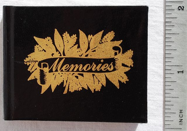 Image for Memories: An Anthology.